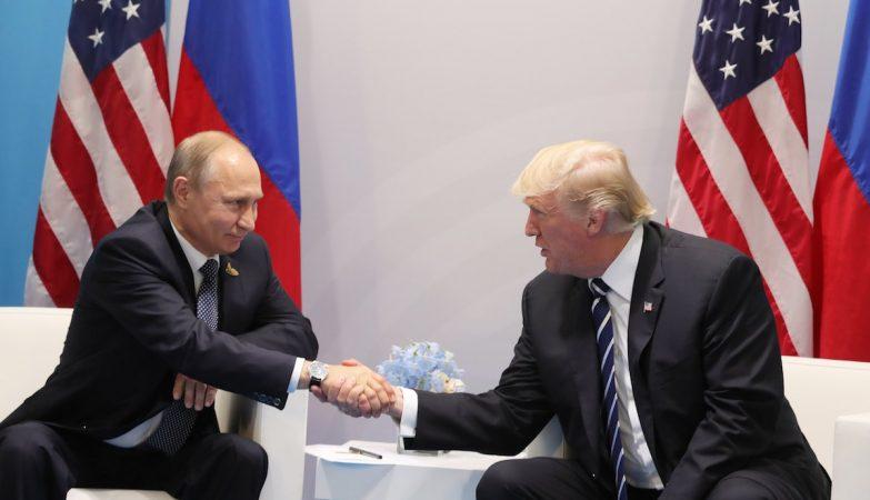 O Presidente russo, Vladimir Putin com Donald Trump na cúpula do G20, no último fim de semana na Alemanha