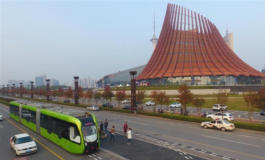 Resultado de imagem para China testa primeiro sistema público de transporte rápido sem motorista