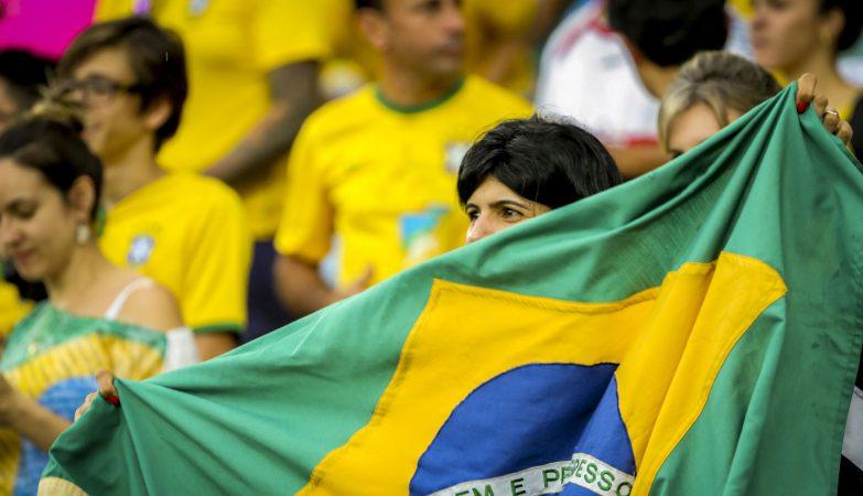 Resultado de imagem para Mais da metade dos brasileiros não quer saber de Copa
