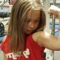 Supermenina: Indra tem 10 anos e quer ser a mais forte do mundo