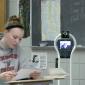 Adolescente consegue autorização para comparecer às aulas por meio de um robô