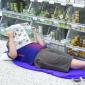 Finlandeses dormem em supermercado para combater onda de calor