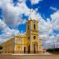 Pequena cidade brasileira tinha maconha plantada até na praça principal